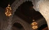 Stiuki we wnętrzu meczetu
