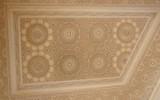 Mozaiki na suficie w przejściu