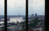 Widok z wieży na port