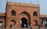 Boczna brama wejściowa