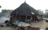 Tak mieszkaja hindusi z Plemienia Biszoni